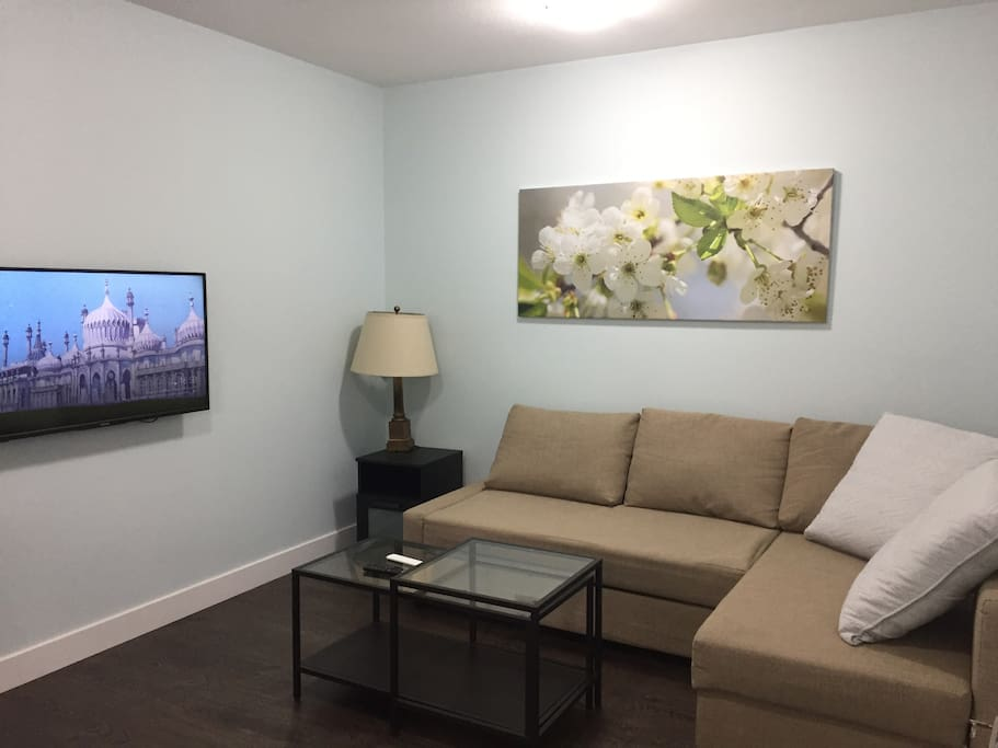 Sitting room with free Wifi and cable TV