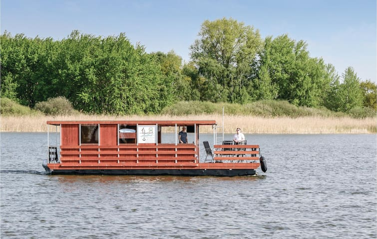 Houseboat with 2 bedrooms on 35m² in Neustrelitz