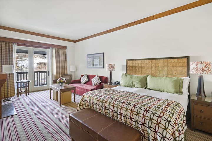 Welcome to our Stowe Mountain Lodge Studio
