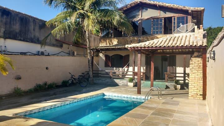 Casa Piscina Praia, 16 min a pé do Canto Ferradura