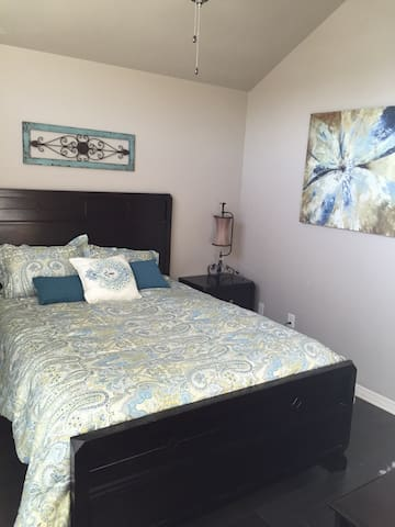 Cozy spare bedroom & bathroom - Belton - Hus