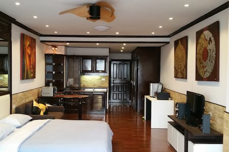 Luxury 15th Floor Condo with Roof Top Swimmingpool - Chiang Mai - Condominio