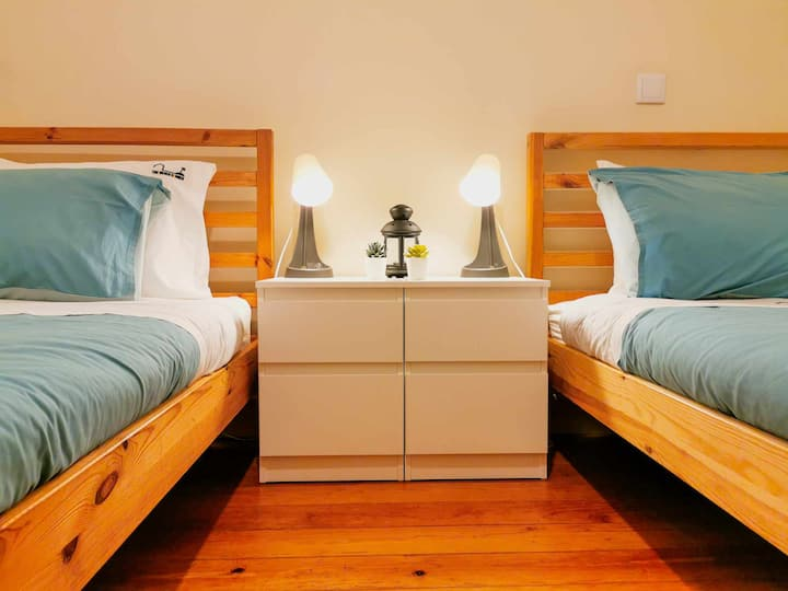 The Beach Corner Guesthouse - Twin bed