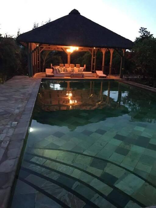 Tr s belle villa priv e d 39 une grande qui tude villas for Campement a louer a grand baie avec piscine