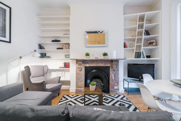 2 BR Home in West Kensington, Fits 6!