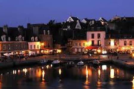 petit voilier sur l'eau - Auray - Båd