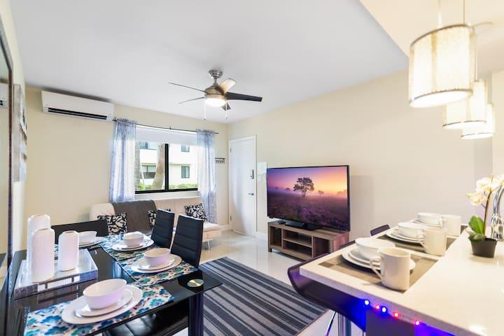 (2/2DD) South Florida Apt with Modern Kitchen