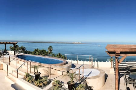 Departamento nuevo a pasos del Malecón y playas - La Paz
