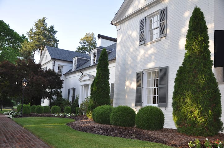 Boxwood Estate - Craig Suite - Mocksville - Bed & Breakfast