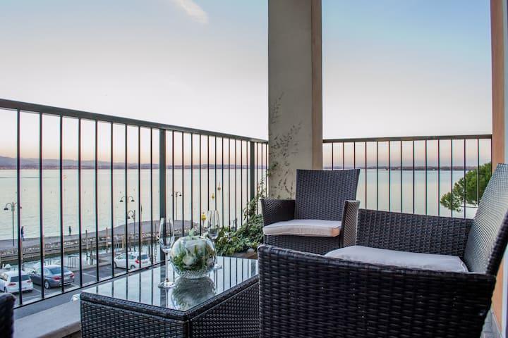 Bilocale vista lago Porto Galeazzi - Sirmione - House