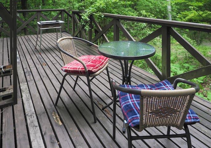 GOTO参加施設。木々の香、小鳥の鳴き声、アットホームで、自然を満喫。リモートワーク最適。