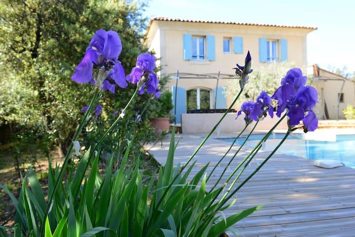 Villa au calme dans la nature proche du village - La Bastide-des-Jourdans