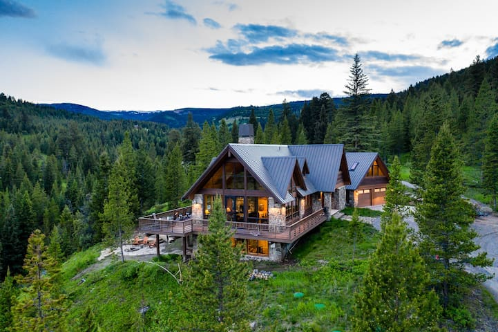 Beaver Creek Lodge - Custom Home on 20 Acres with Creek Frontage
