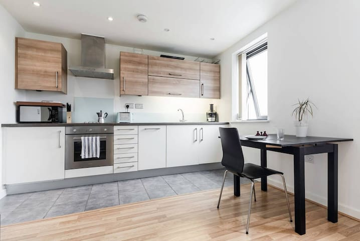 East London studio/1 bed apartment (entire place) - Lontoo - Huoneisto