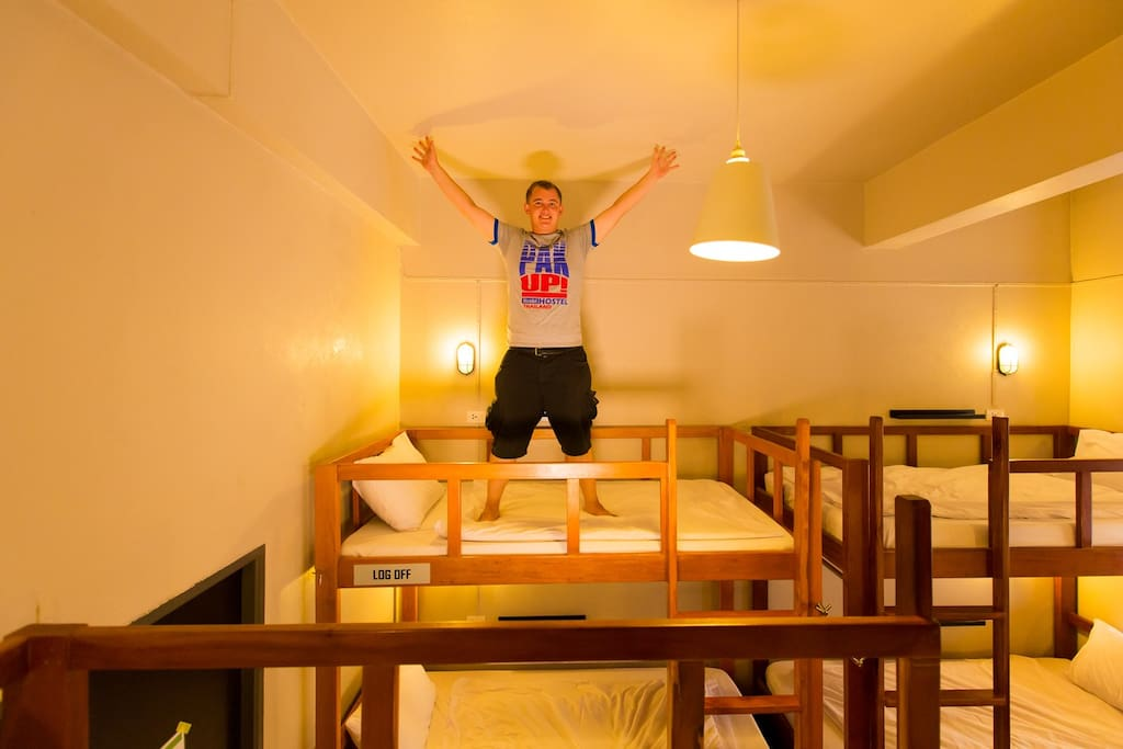 190 cm headroom for the top bunk