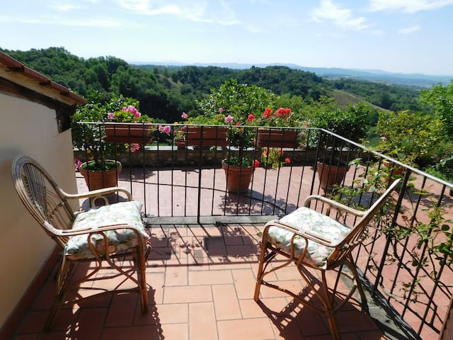 Couple House near Florence, Arezzo, Siena