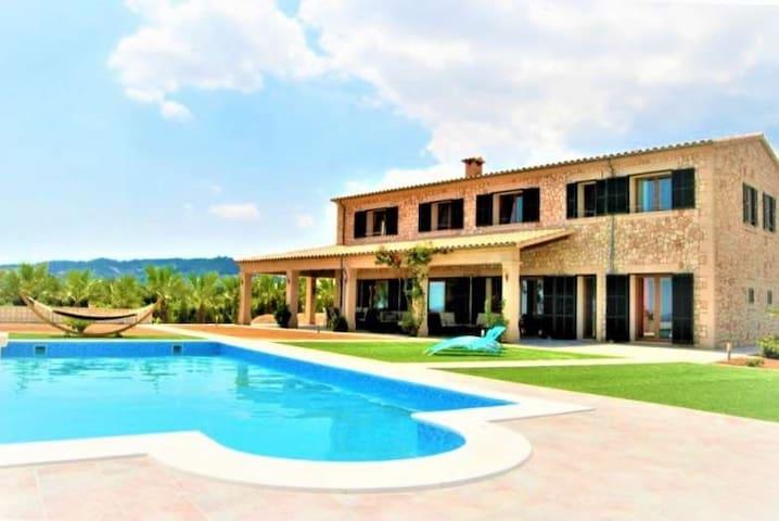 Finca for 12 people rural surroundings, Mallorca