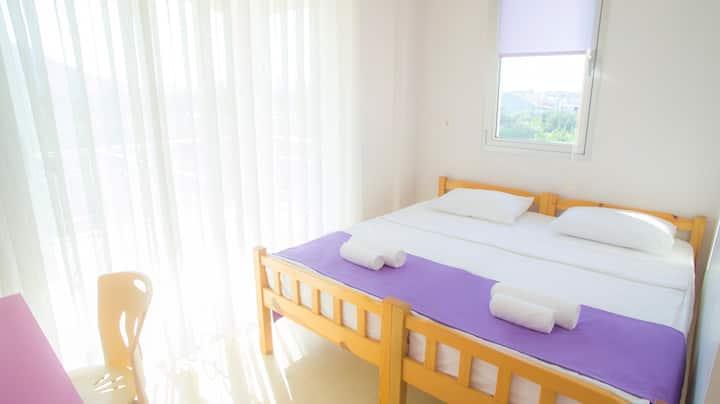 Fethiye merkezde kiralık banyolu 2 kişilik oda
