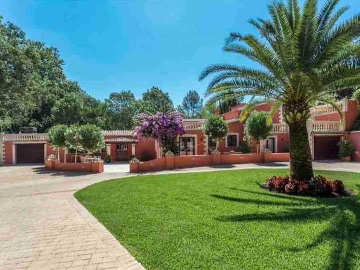 Sa Taulera - 5 bed villa for 11-12 + private pool