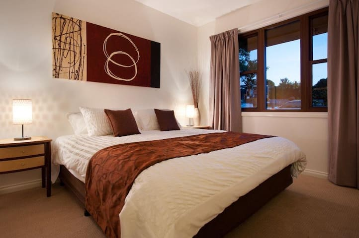 King or king singles in another spacious bedroom