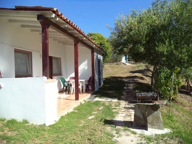 Casinha do Caseiro, Horta Velha - Monte Alegre