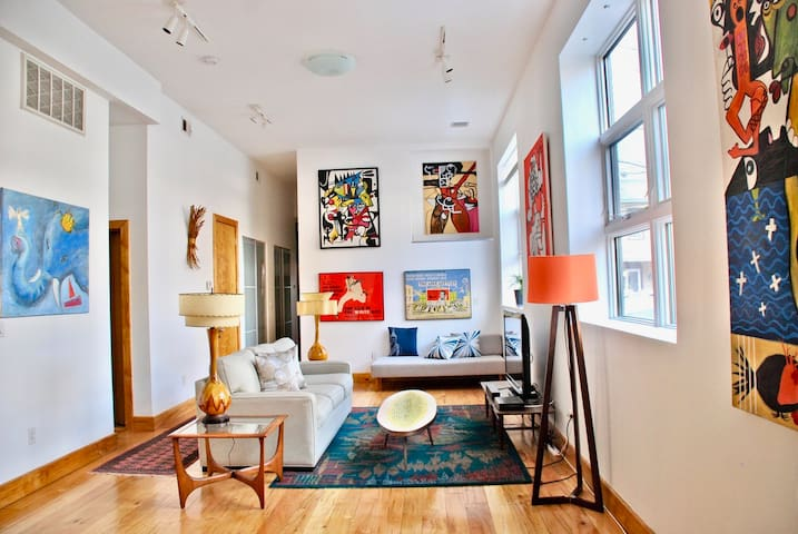NY style loft. 2bedrooms/2bathrooms