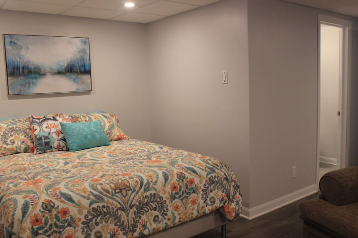 Modern Guest Suite!  Your home away from home!