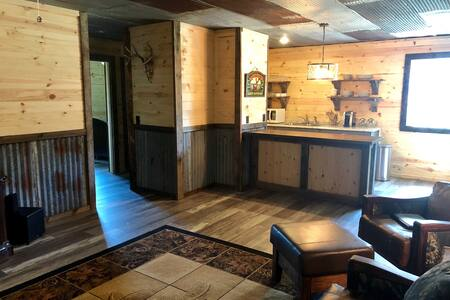 New Rustic Shop House In The Country