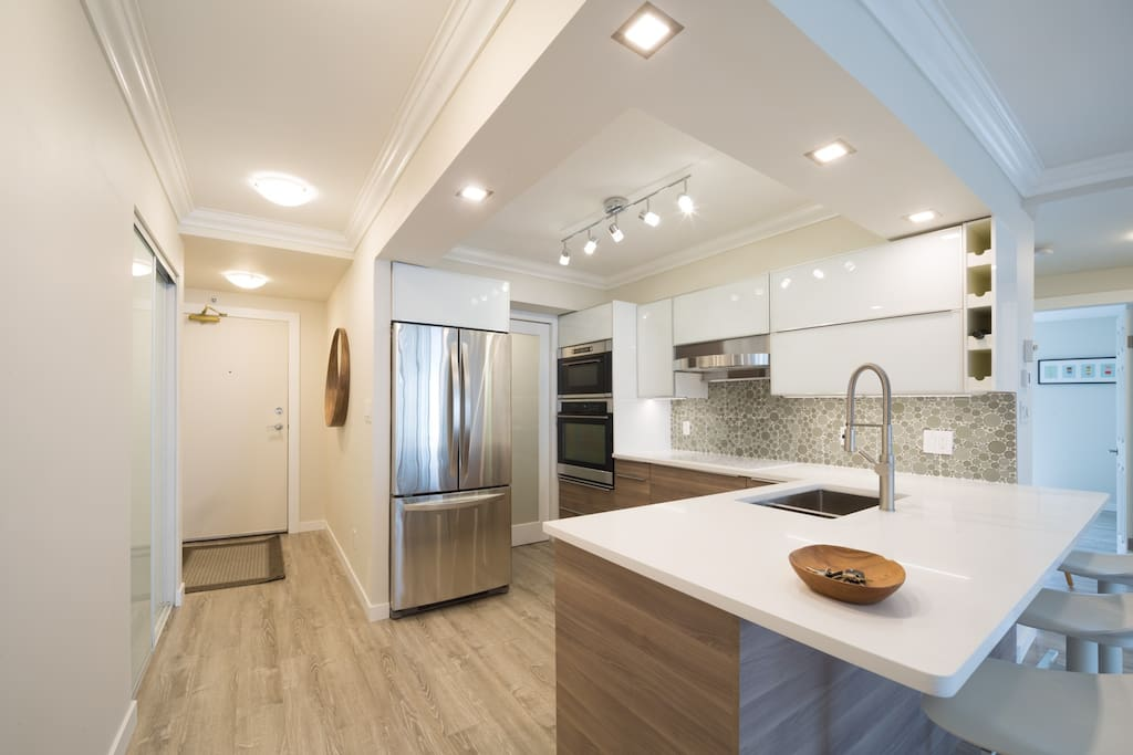 Full-size kitchen and appliances for serious cooks