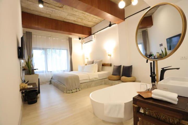 NEW! YOLO Bkk Hotel B&B BTS-MRT-Boat I I'd love to