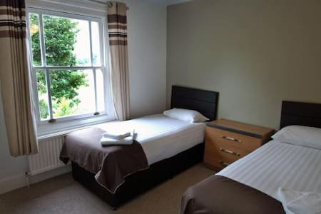 Double room - Duxford, Cambridge, M11 junction 10 - Duxford - Domek gościnny