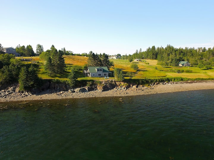 Tide-Water Cottage at Rossport