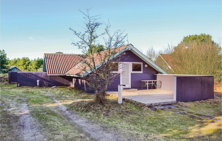 Holiday cottage with 3 bedrooms on 90m² in Fanø