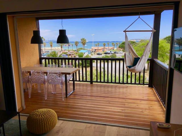 Appartement refait à neuf  -  VUE MER Saint-Tropez