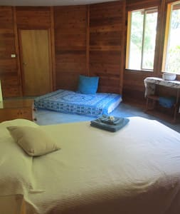 Spacious room for Spirit Festival - Rumah