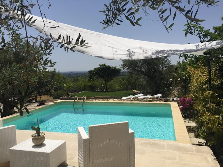 Ulivi al tramonto: country home with private pool