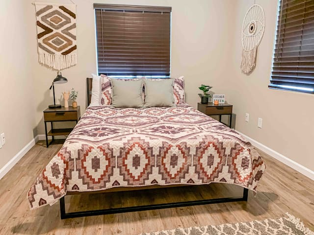 The Chocolate bedroom has a queen sized bed, & decorated with a slightly darker brown decor for great sleep.