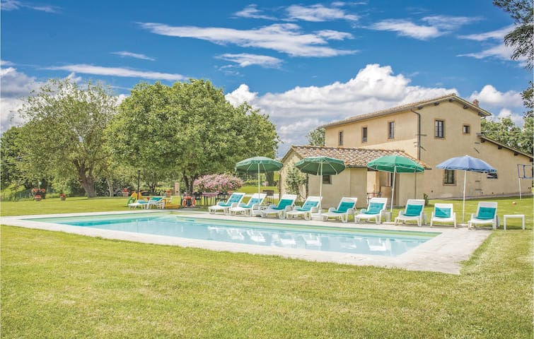 Holiday cottage with 5 bedrooms on 200m² in Borgo San Lorenzo FI
