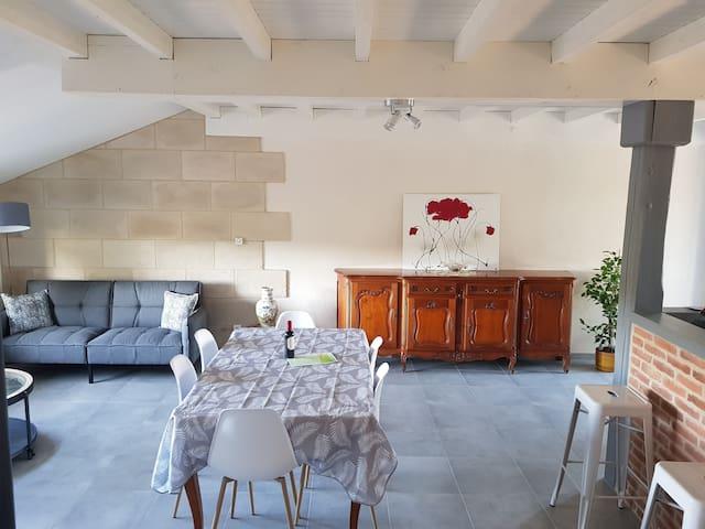 Maison entière dans un lieu calme et reposant