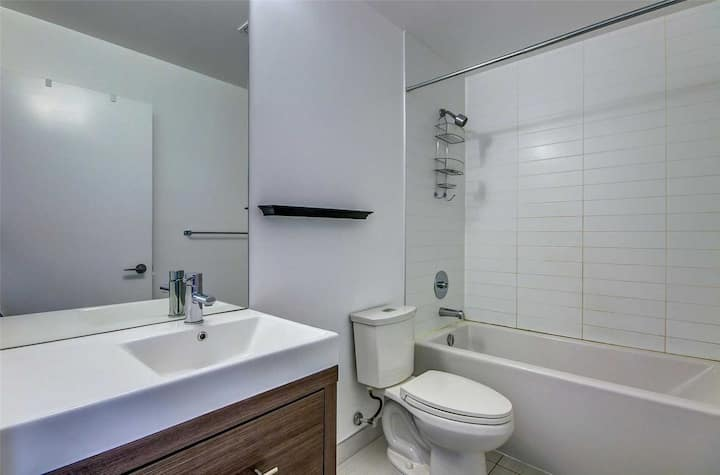 1 Bedroom (single bed) in a Shared Condo