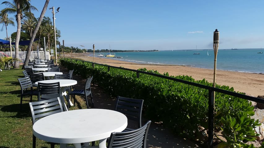 nearby Trailerboat club. .5 minutes drive or a beautiful walk beside the sea