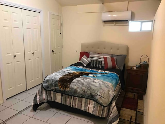 Quiet & private guesthome in perfect loc w/ extras