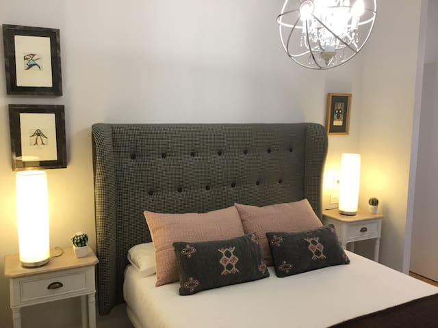 Artekale by Forever Rentals. 2 bedroom apartment with free wifi in Casco Viejo