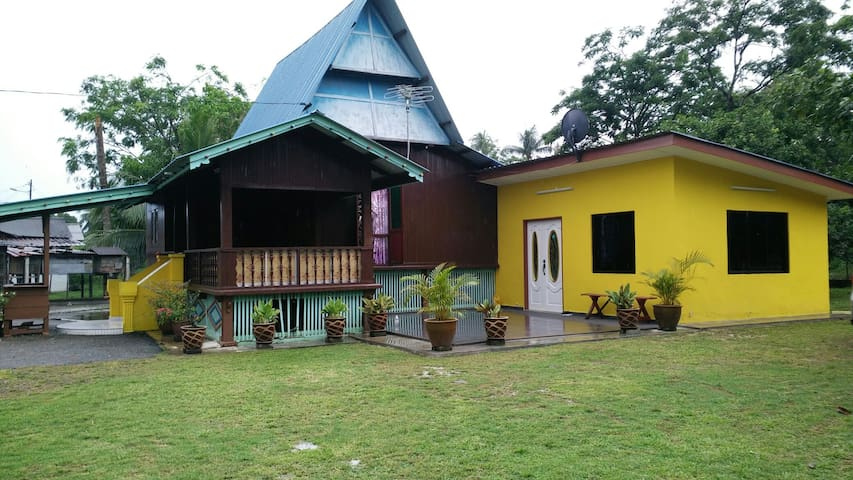 Malacca Traditional Homestay - Tanjung Kling - House