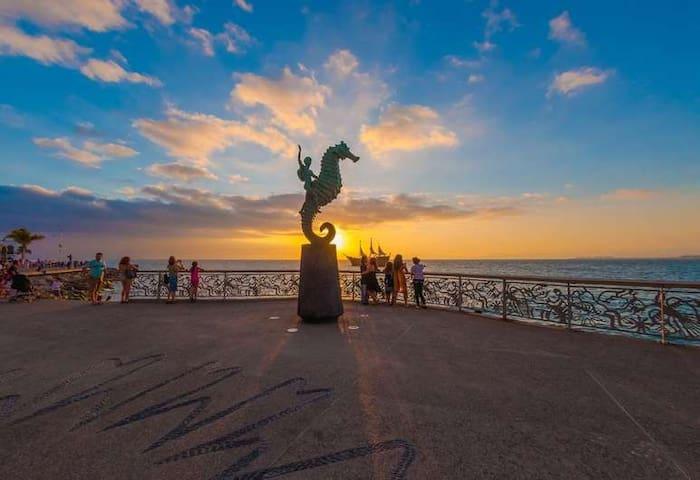 ZONA ROMANTICA | BEACH | WALKING | SECURITY | FUN