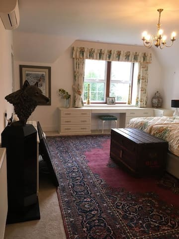 Wolf room is large,sunny, air conditioned and very comfortable with its super king bed.