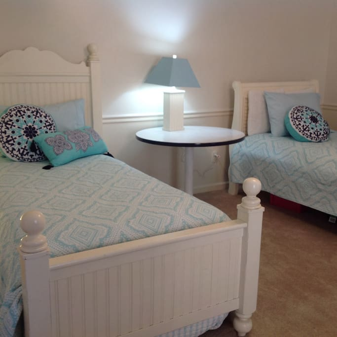 Two twin bed and a trundle with very comfortable mattress's.