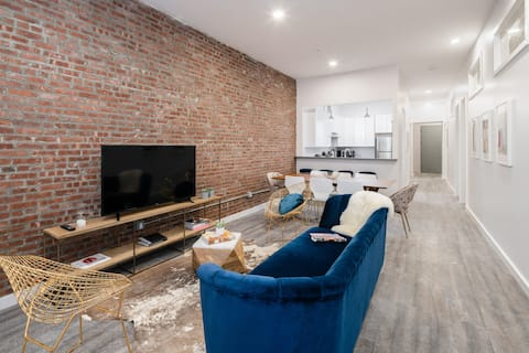 Large 4 Bedroom on Newark Ave, 10 Min to Tribeca!!