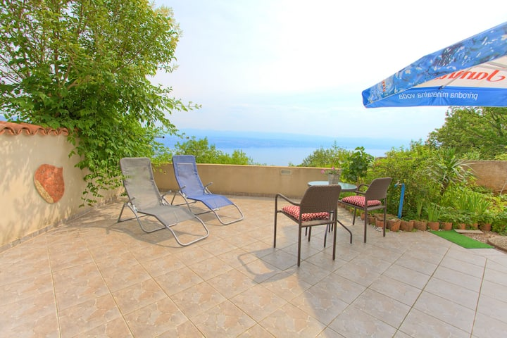 Studio Apartment Marun With Terrace and Sea View