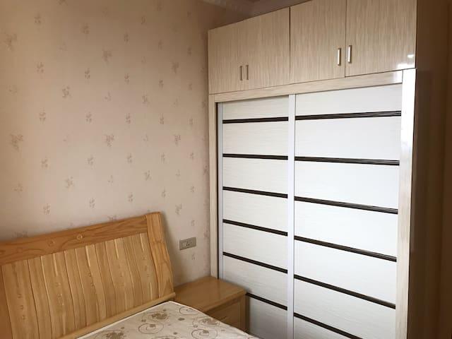两室一厅 观山湖区美的林城高档小区
